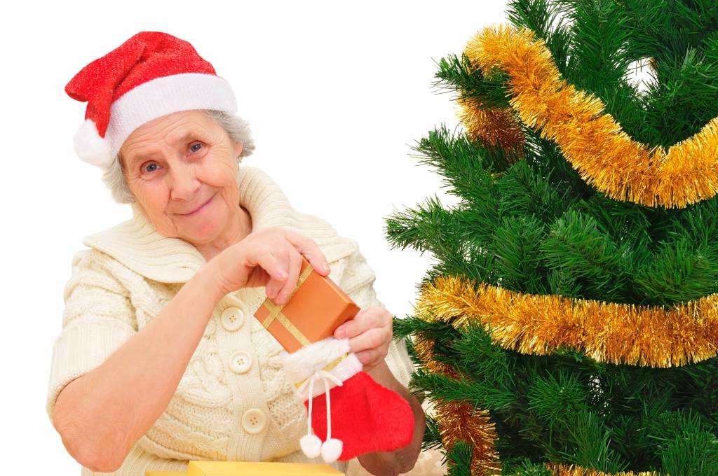 MAKE THE BEST OF THE HOLIDAYS AT YOUR LOVED ONE'S ASSISTED LIVING COMMUNITY